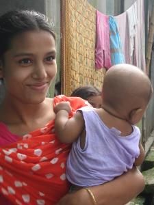 Woman and baby in Mirpur, Dhaka, Bangladesh